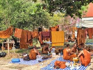 Ayutthaya - stretnutie s lesnými mníchmi