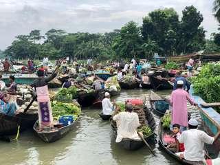 Plávajúce trhy v Bangladéši