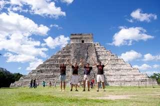 Opat sama v Mexiku