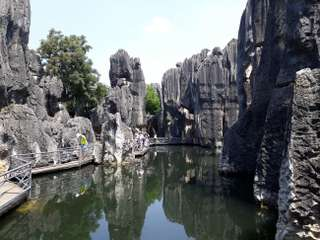 Kunming a Shilin