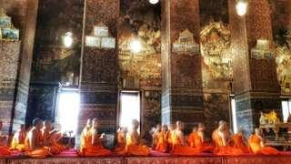 Wat Pho bez turistov