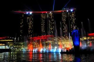 Plavba loďou v Singapure