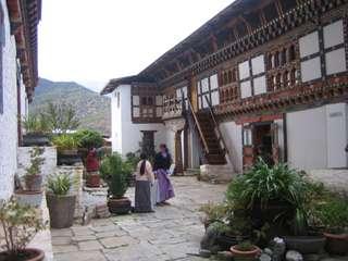 Bhután, v opatere dračieho krála