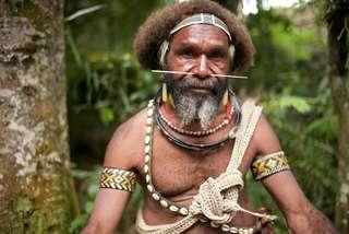 Krv a betel na Papue Novej Guinei