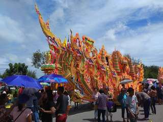 Thajský sviatok Chak Phra