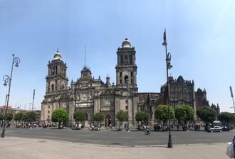 Plávajúce hlavné mesto / alebo, čo bol bájny Tenochtitlán?