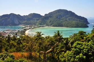 Phi Phi a vyhliadka na krásny ostrov