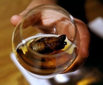 Whiskey kokteil so zaujímavou prísadou - palcom z nohy zlatokopa