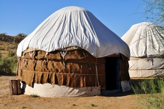 Jurty, ťavy, nomádi a zážitky