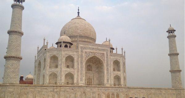 Agra – šperkovnica indickej histórie