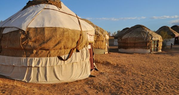 Kyzylkum. Alexander Veľký, púšť aj jurty