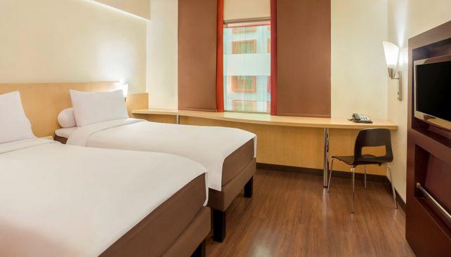 Ibis Jakarta Tamarin Hotel