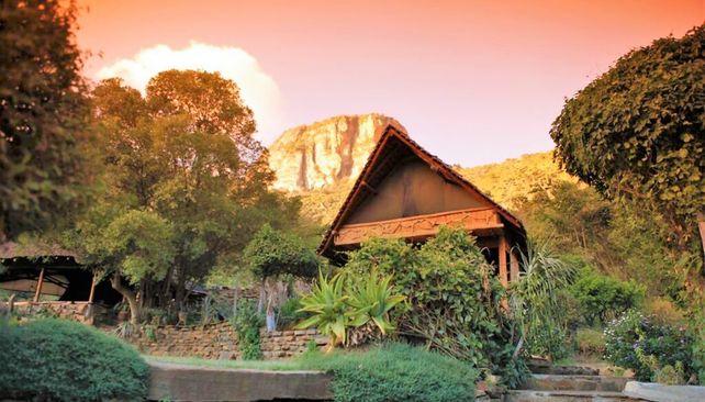 Desert Rose Lodge