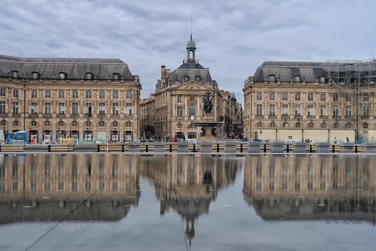 Bordeaux – včarovnom meste vína, histórie a umenia