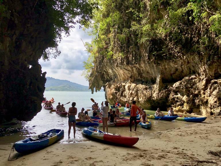Deň na kajakoch v Thajsku