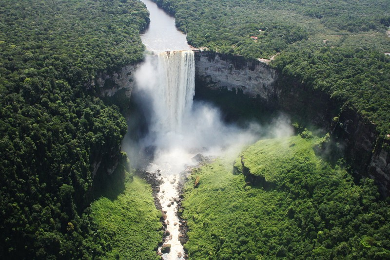 Surinam, Guyany, Tobago, Trinidad