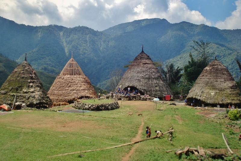 Komodo, Lombok, Flores, Sumbawa, Rinca, Gili, Bali